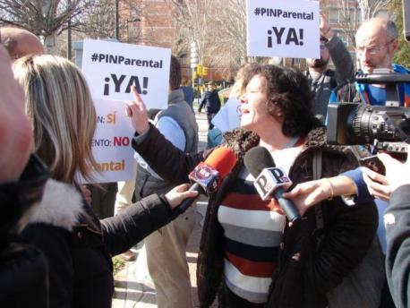 Quejas de Hazte Oír contra las charlas sobre LGTBI en Móstoles