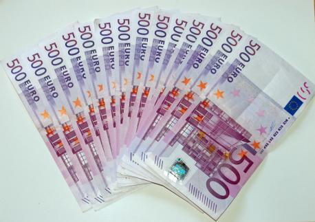 Papel moneda europeo. Foto de archivo.