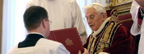 El Papa dejará su puesto a finales de mes por falta de fuerzas