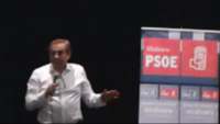 Carmnoa, candidato del PSOE a las municipales madrileñas durante una asamble abierta en Vicálvaro