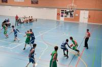Niños jugando al baloncesto en Leganés