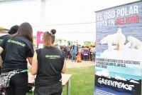 Voluntarias de Greenpeace en una campaña por el Adriático.