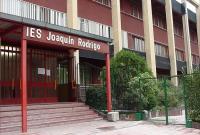 Puerta principal del instituto Joaquín Rodrigo de Vicálvaro