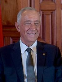 Fuente: https://es.wikipedia.org/wiki/Marcelo_Rebelo_de_Sousa#/media/File:Visita_del_Presidente_de_Portugal,_Marcelo_Rebelo_de_Sousa_2017_(35950154236)_(cropped).jpg