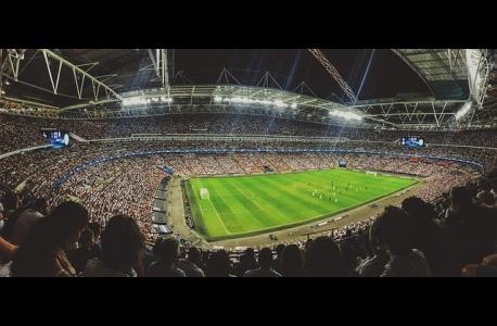 Estadio de fútbol, gradas, audiencia
